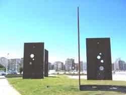 """Sombras de Luz"" (Solombres de Lluz)"