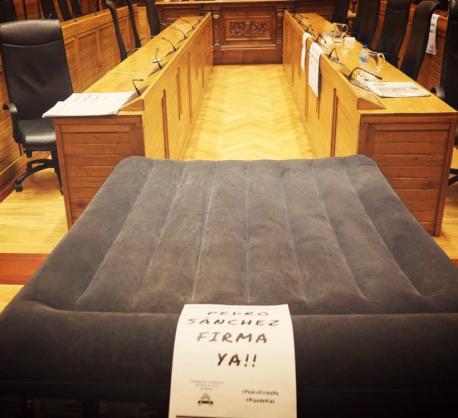 Colchón zarru na Casa Conceyu pol Plan de Vïes