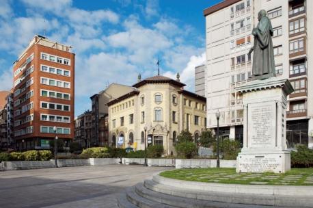 Plaza 6 d'Agostu