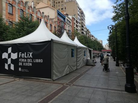 La Feria del Libro de Xixón axunta a 48 editoriales y llibreríes en Begoña