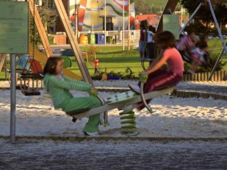 Reciella en parque infantil