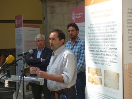 Xulio Viejo 'Voces' Xixón, con Fernado Padilla y Alberto Ferrao