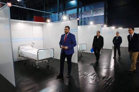 Adrián Barbón visita hospital Recintu Ferial Luis Adaro