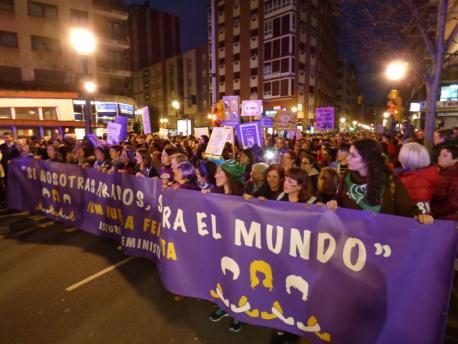 Cabecera manifestación 8-M en Xixón