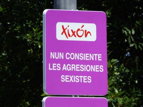 Siñales en Xixón contra les agresiones sexistes