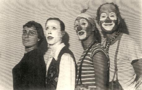 El grupu La Máscara y los teatros de cámara ente'l 1950 y el 1970, na charra mensual d'Ástura