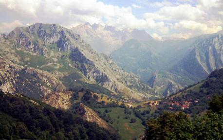 Conferencia sobre'l despoblamientu rural n'Asturies